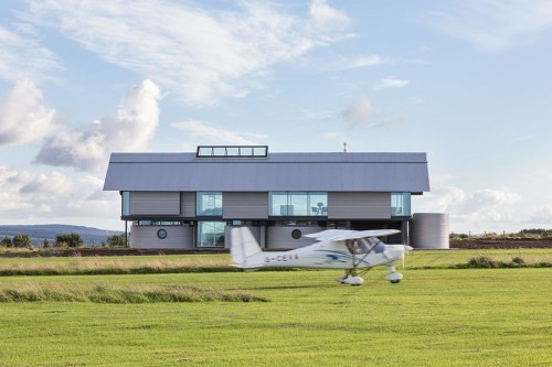 House and small plane